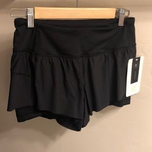 NWT LuLulemon Squad Goals Short in Black
